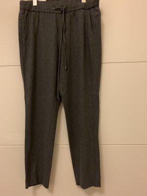 Lässige graue Hose von Cambio, Größe 40. seitlich mit glitzernden streifen.