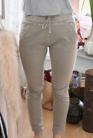 Pantalón elástico beige claro-beige
