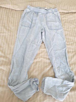 Vero Moda Spodnie Capri błękitny Tkanina z mieszanych włókien