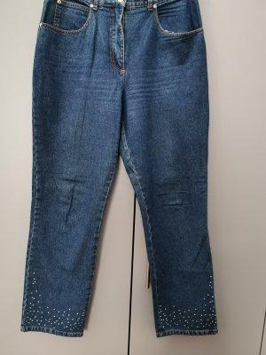 Lässige Jeans mit Strassbesatz am Hosensaum