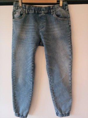 Lässige Jeans mit Stretchbund