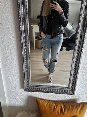 Lässige Jeanshose im Destroyed-Look