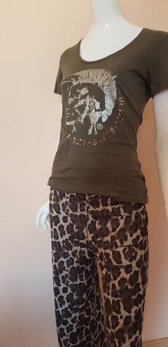 Lässige Kombination DIESEL ka shirt olivfarben small Animalprint hose ital Boutique small