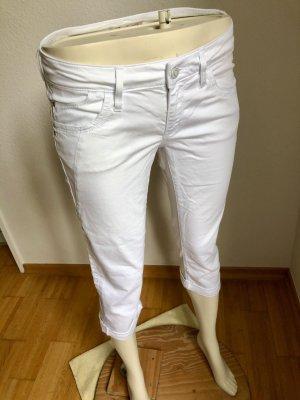 Lässige, leichte Sommer-Capri-Jeans
