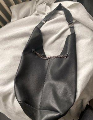 Lässige schwarze schultertasche