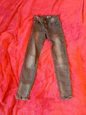 Lässige Skinny-Jeans im Used Look