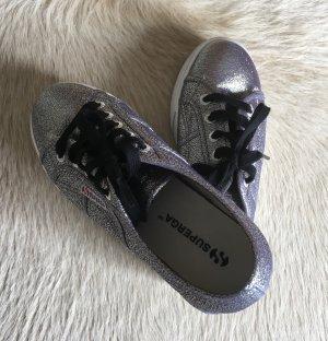 Lässige Sneaker von SUPERGA *neu*