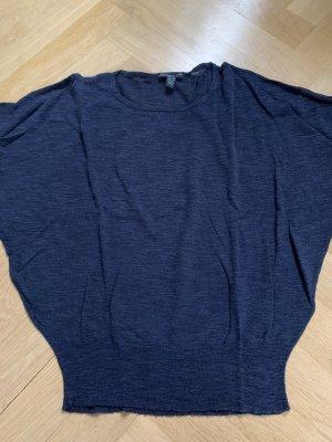 Lässiger blauer Pullover von Mango
