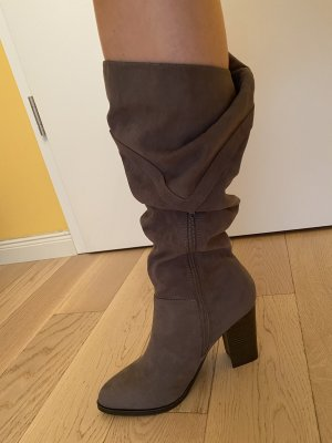 Journee Collection Botas slouch gris