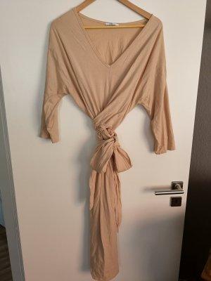 Lässiges Kleid mit Schleife