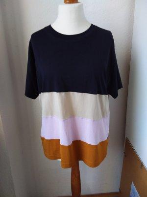 Lässiges T-Shirt dunkelblau mit bunten Farben