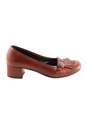 Pantofel czerwony W stylu biznesowym