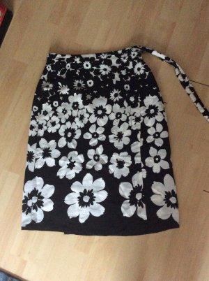 Lalique Wickelrock Gr 38 schwarz/ weiß Blumen