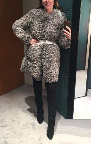 Manteau de fourrure gris-argenté laine alpaga