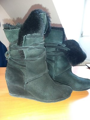 Fur Boots black pelt