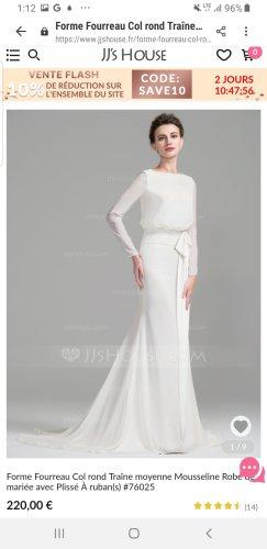 Langärmeliges Etui-Hochzeitskleid mit Schleppe