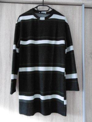 Langärmeliges Kleid von Zara