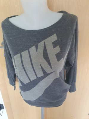 langärmeliges NIKE-Shirt
