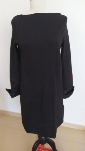 langärmliges Kleid mit Uboot-Ausschnitt