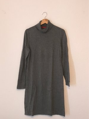 Langarm Kleid mit Rollkragen
