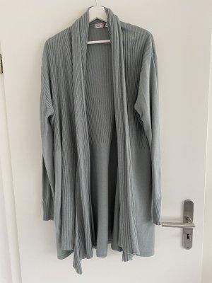Outfit Fashion Cappotto a maglia blu pallido
