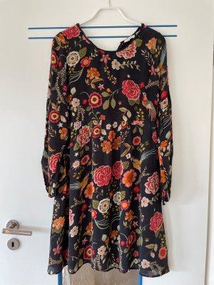 Langarmiges Kleid, schwarz mit floralen Mustern, Frogbox