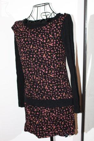 Langarmkleid mit Blätter-Muster von Zergatik - baskische Mode