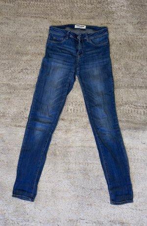 lange blaue Jeans