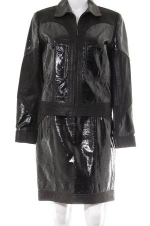 Lange Kostüm schwarz extravaganter Stil