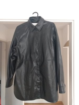 Lange Kunstlederjacke/ Oberhemd b.young ungefüttert schwarz Größe 34 (fällt etwas größer aus)