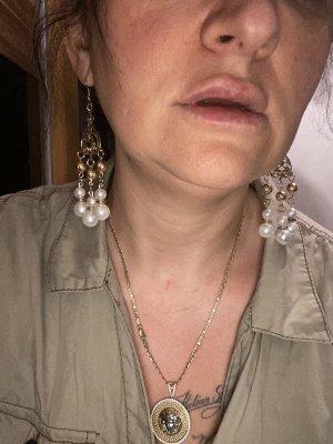 Pendant d'oreille blanc-doré