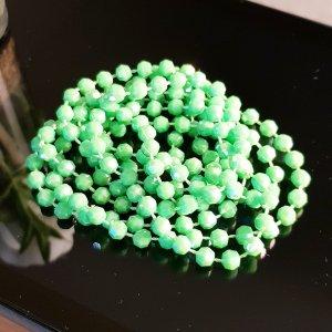 Collier de perles vert