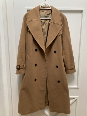 langer Burberry Trenchcoat