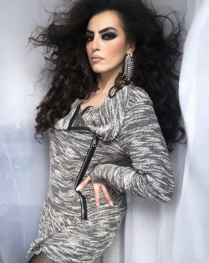 langer cardigan in grau/schwarz weiß
