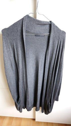 langer grauer Cardigan mit Taschen