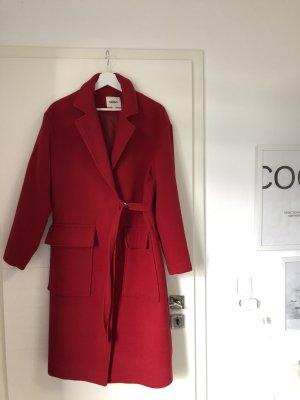 Langer Mantel in Rot Winter