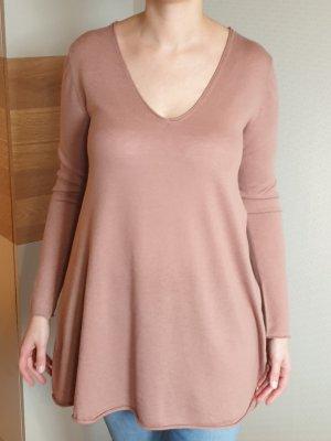 langer Pullover mit V-Ausschnitt