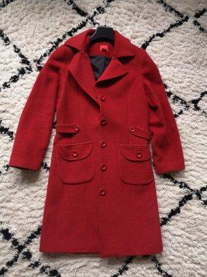 Langer, roter Mantel von S.Oliver