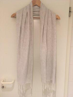 Langer Schal in silber-weiß von H&M