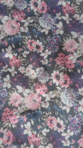 langer Schal mit Blumenmuster