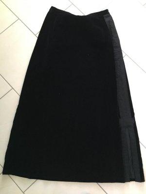 Langer schwarzer, Bodenlanger, Samtrock mit Gehschlitzen, gothic, vermutlich Gr. 42/44 vom Schneider