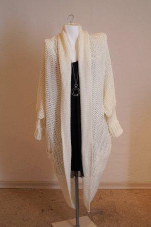 Abrigo de punto blanco