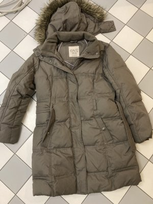 Langer warmer Mantel