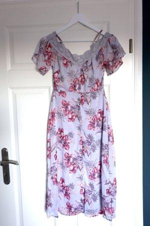 Langes Blusenkleid mit Knöpfen