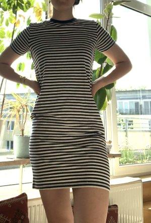 langes gestreiftes tshirt-kleid