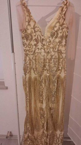 Langes goldenes Abendkleid