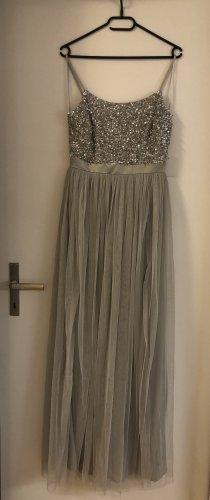 Langes graues Abendkleid