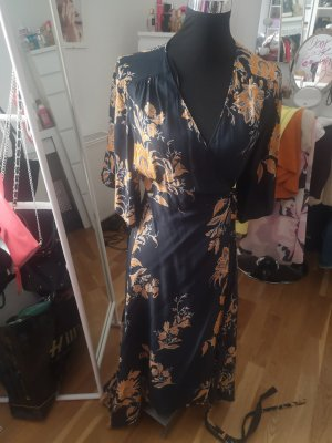 langes Kimonokleid von Zara