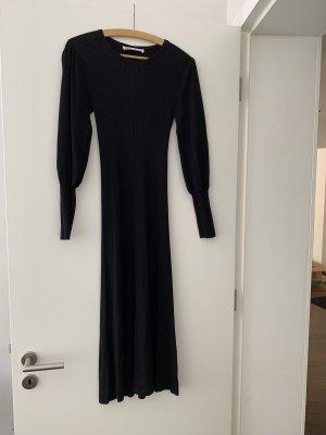 Langes Kleid von ZARA aus Feinstrick