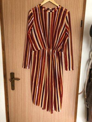 Langes luftiges Kleid von Zara